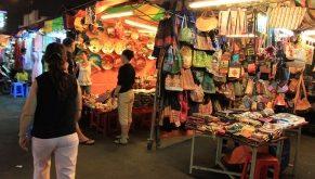 Top 8 địa điểm mua sắm quần áo giá rẻ ở Hồ Chí Minh